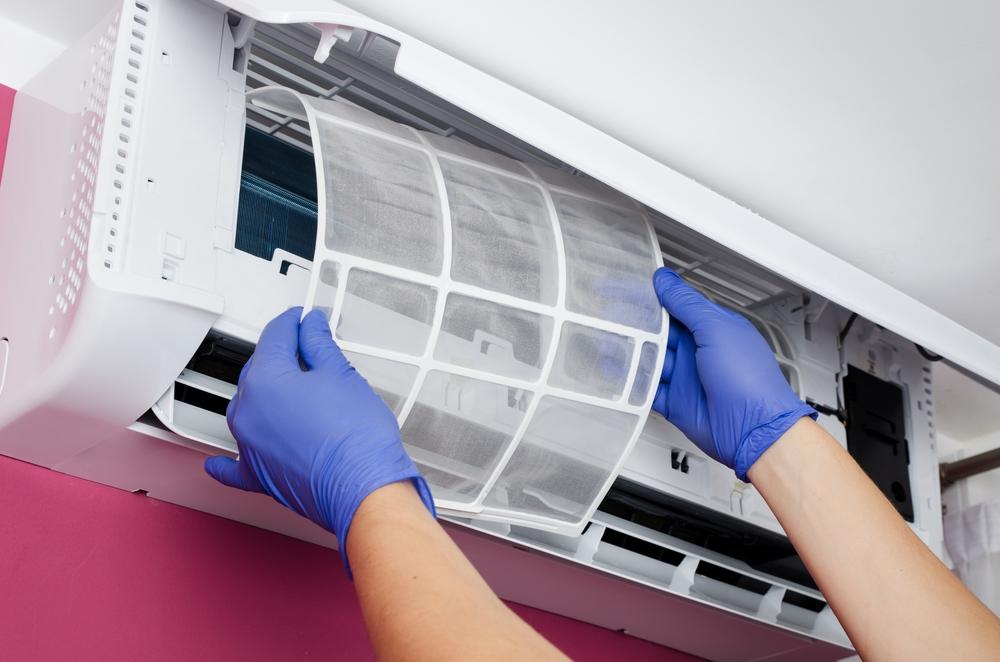 Saiba como resolver o problema do ar-condicionado split com mau cheiro