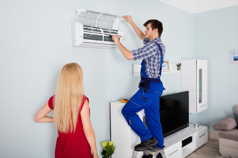 Ar-condicionado pingando água: o que fazer?