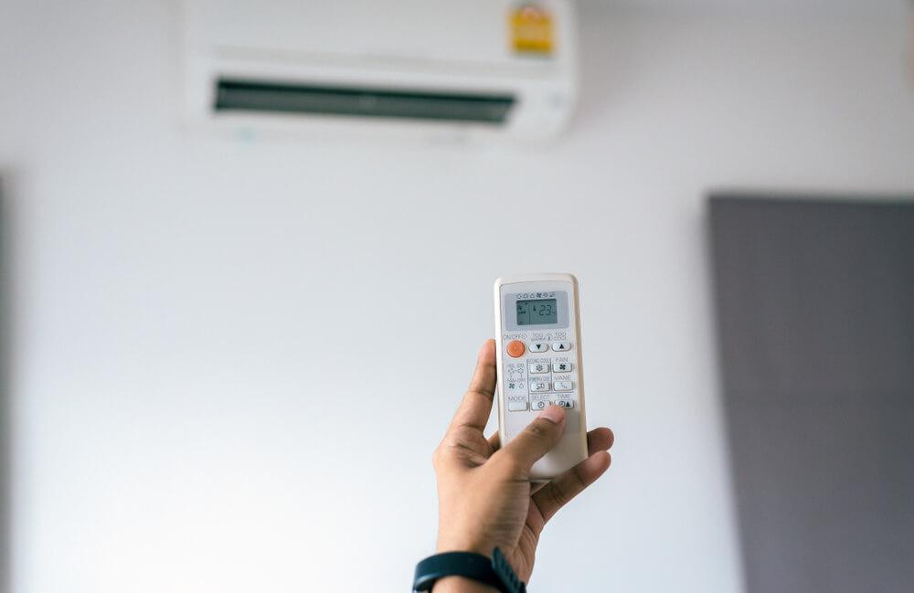 Controle do ar-condicionado com defeito