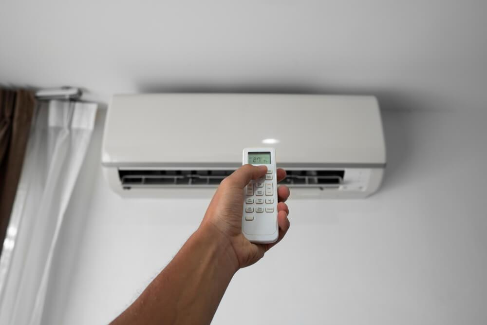 Controle do ar-condicionado parou de funcionar? Saiba o que fazer