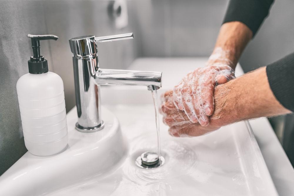 A importância em lavar as mãos para combater o Coronavirus