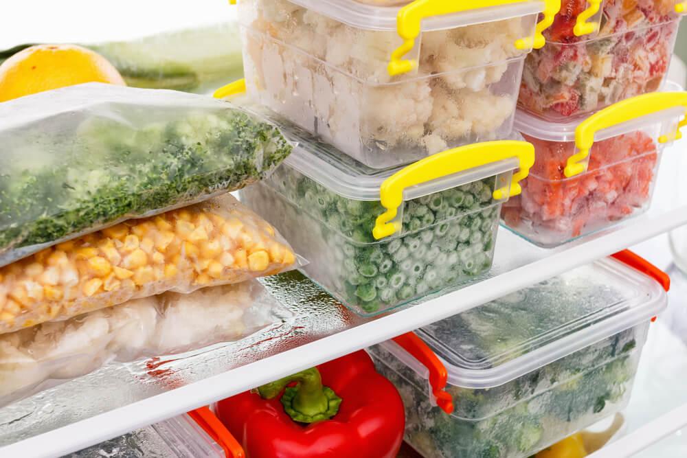 Dicas para conservar alimentos: como organizar, quais podem ser congelados e os modelos de freezers ideais para isso