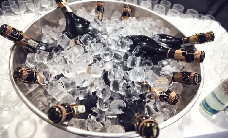 Champanheira com gelo